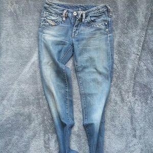 Straight Leg low cut Diesel Jeans